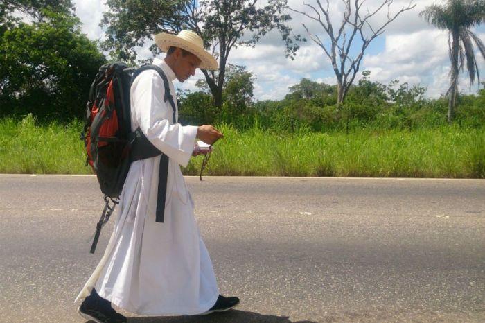 sacerdote-peregrino-1
